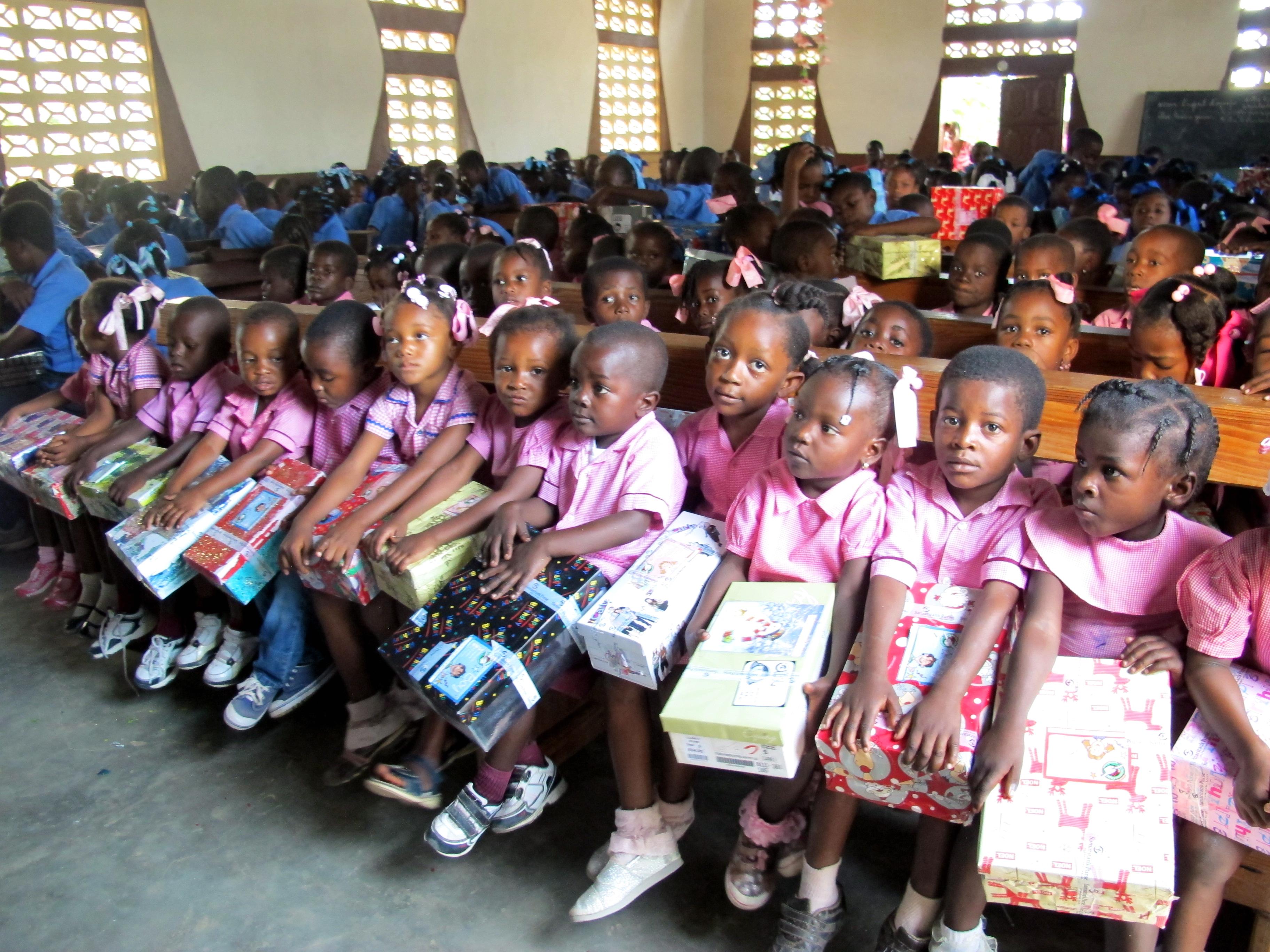 Operation Christmas Child distribution on Ile a Vache